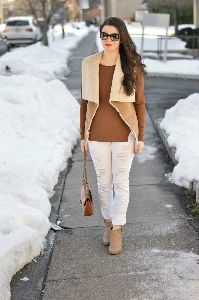 shearling-vest-outfit