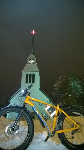 kuusamo talvi kirkko läskipyöräily
