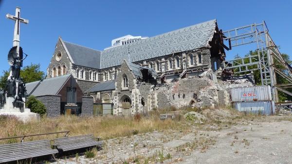 Eglise touchée par les séismes