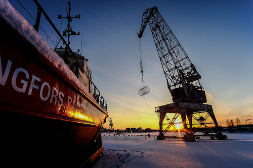 sunset snow finland evening boat fuji crane wideangle fujifilm kotka wideanglelens samyang fujifilmxseries samyang12mm fujifilmxt10