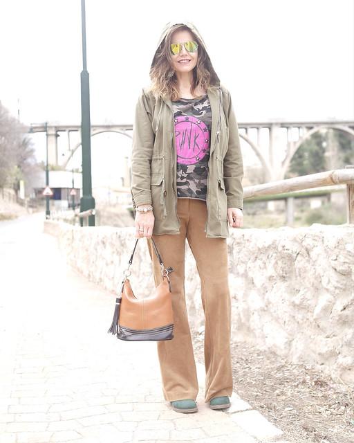 Camiseta de camuflaje, outfit