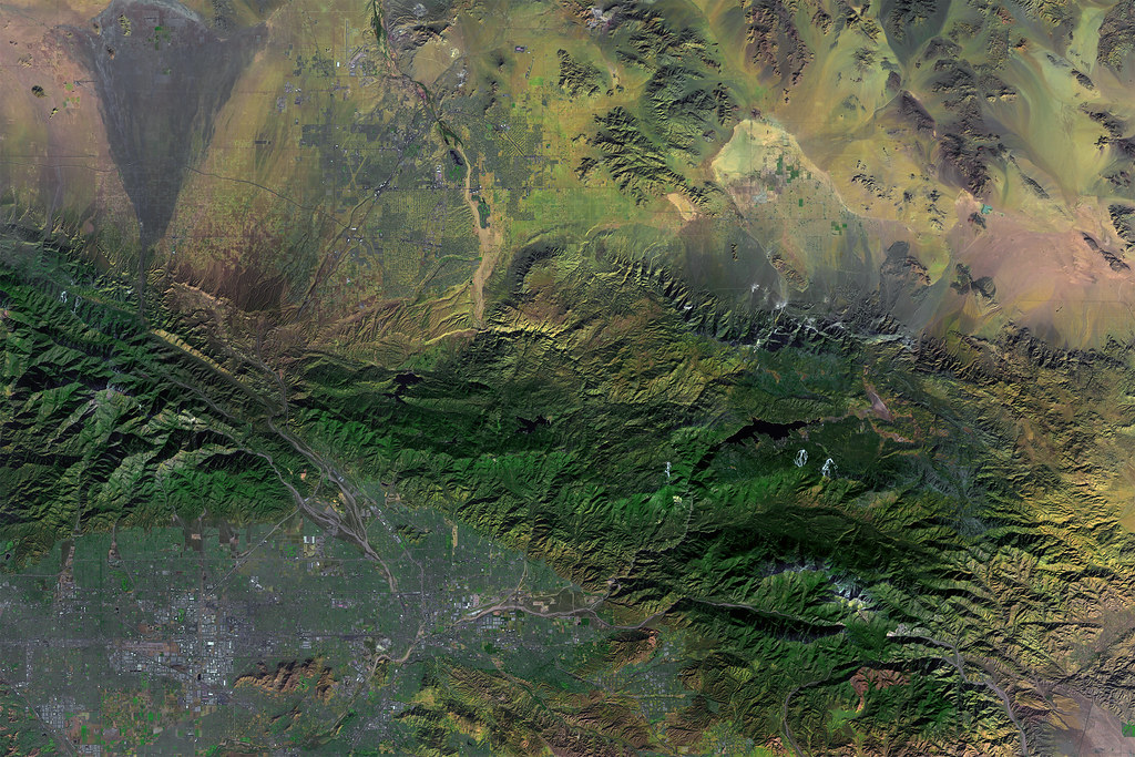Landsat image of San Bernardino and the San Andreas Fault, California