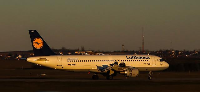 Lufthansa - Airbus A320-211