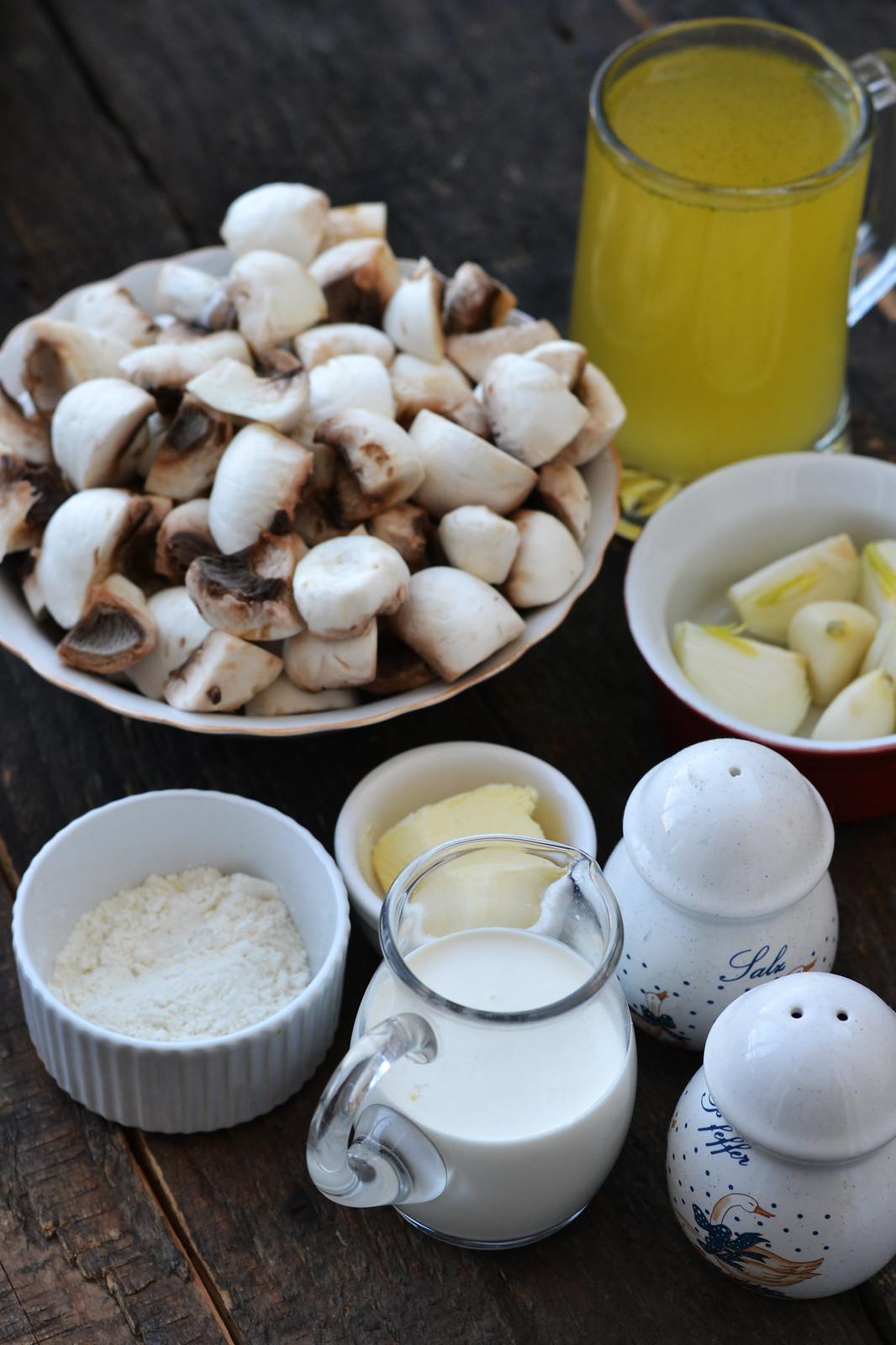 ingrediente supa crema de ciuperci