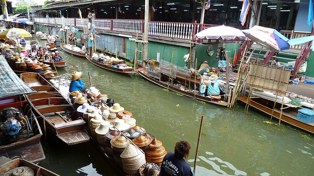 marked-floating-damnoen-saduak