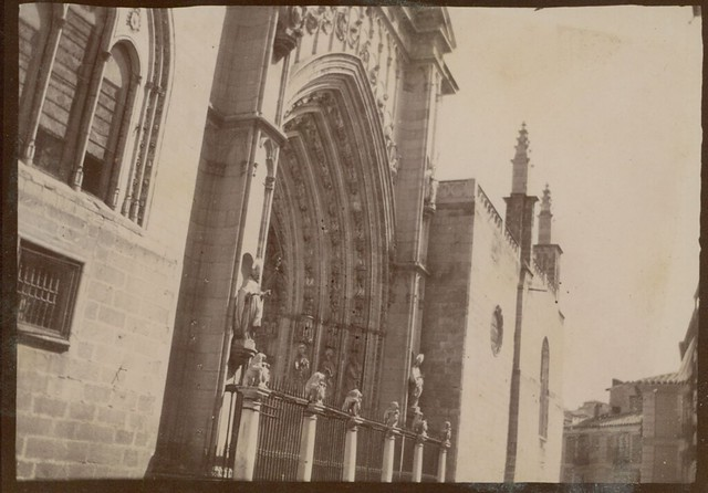 Puerta de los Leones de la Catedral de Toledo hacia 1909