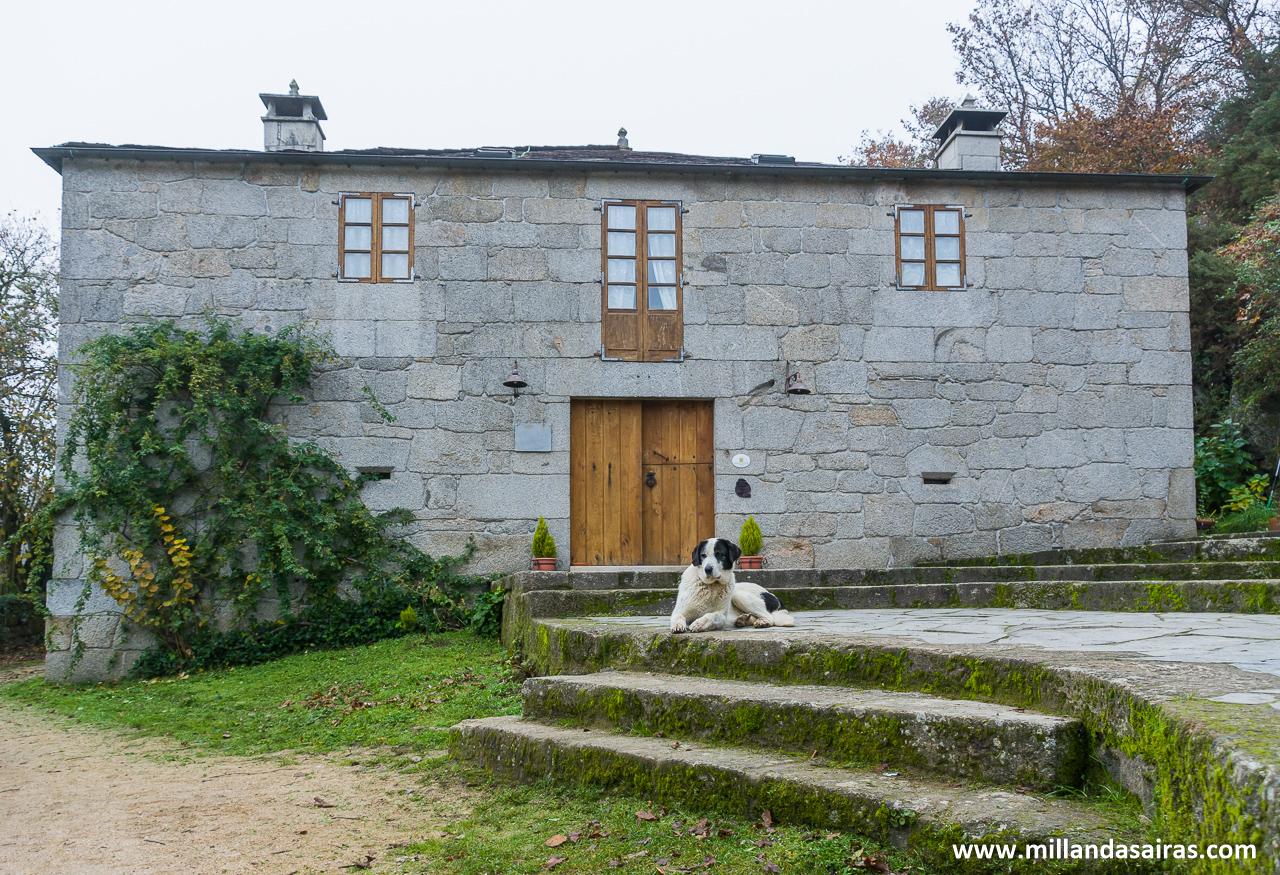 Casa donde se encuentran las habitaciones