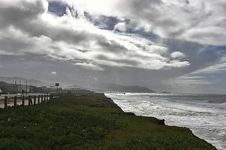 Pacifica Pier - Esplanade Ave looking south