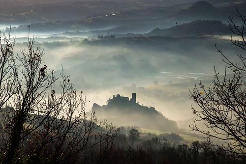 italy misty fog sunrise dawn nikon madonna hermitage sanctuary d800 santuario mornig valmarecchia saiano