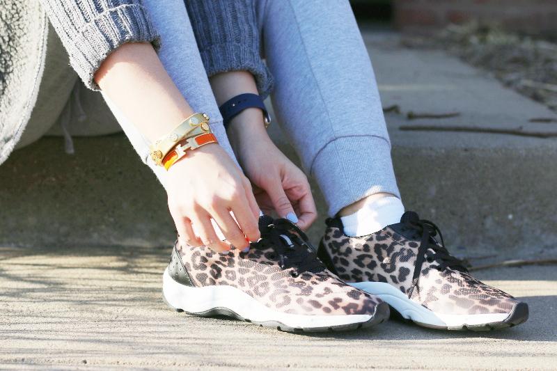 vionic-shoes-leopard-print-sneakers-5