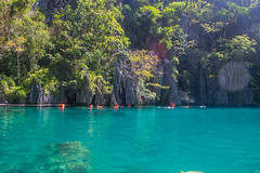 KAYANGAN LAKE PHOTO