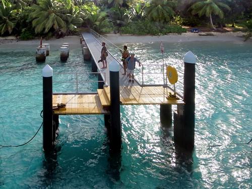 ferry island islands jetty direction catamaran baru cocos cahaya keeling