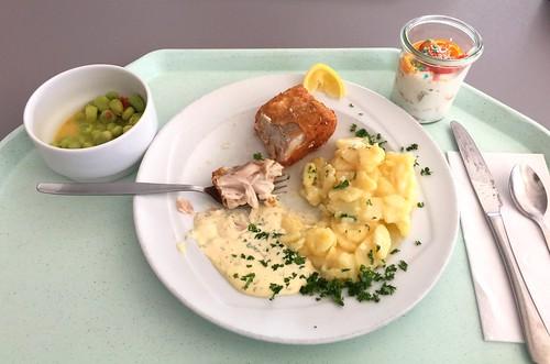 Baked coalfish with lemon slice, remoulade & potato salad / Gebackener Seelachs mit Zitronenecke, Remoulade & Kartoffelsalat