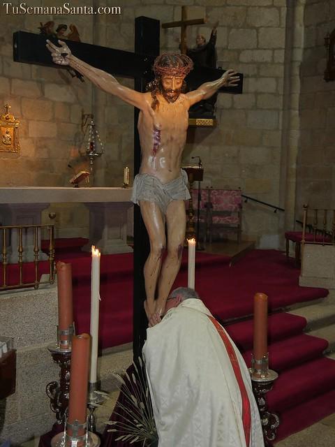 Besapié al Cristo de la Buena Muerte