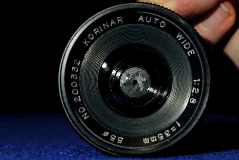 Diaphragm lens