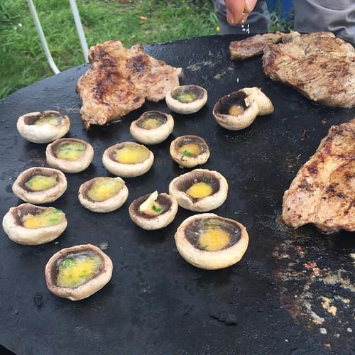 #mmm #mushrooms #garlic #steaks #ggb1578 #foame #hunger #waldbüttelbrunn #leker #champignons #nomodification