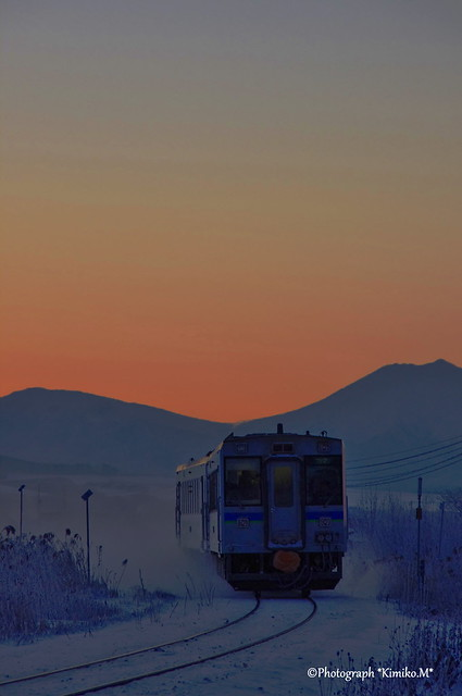 朝焼けの上り一番列車1