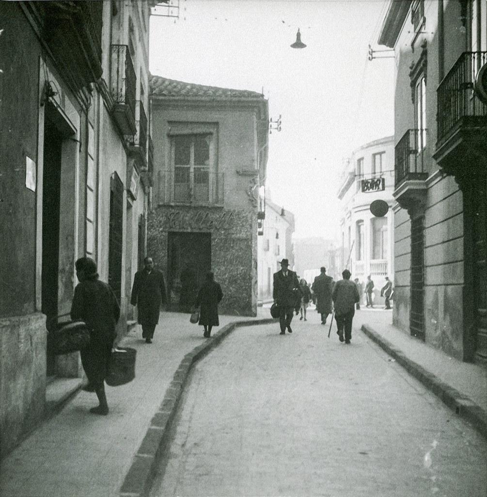 Calle del Rosario (Abelardo Sánchez) años 50 al final colegio santiago apostol