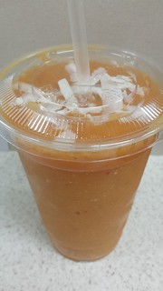 Mango Madness Smoothie from Charlie's Raw Squeeze Everton Park