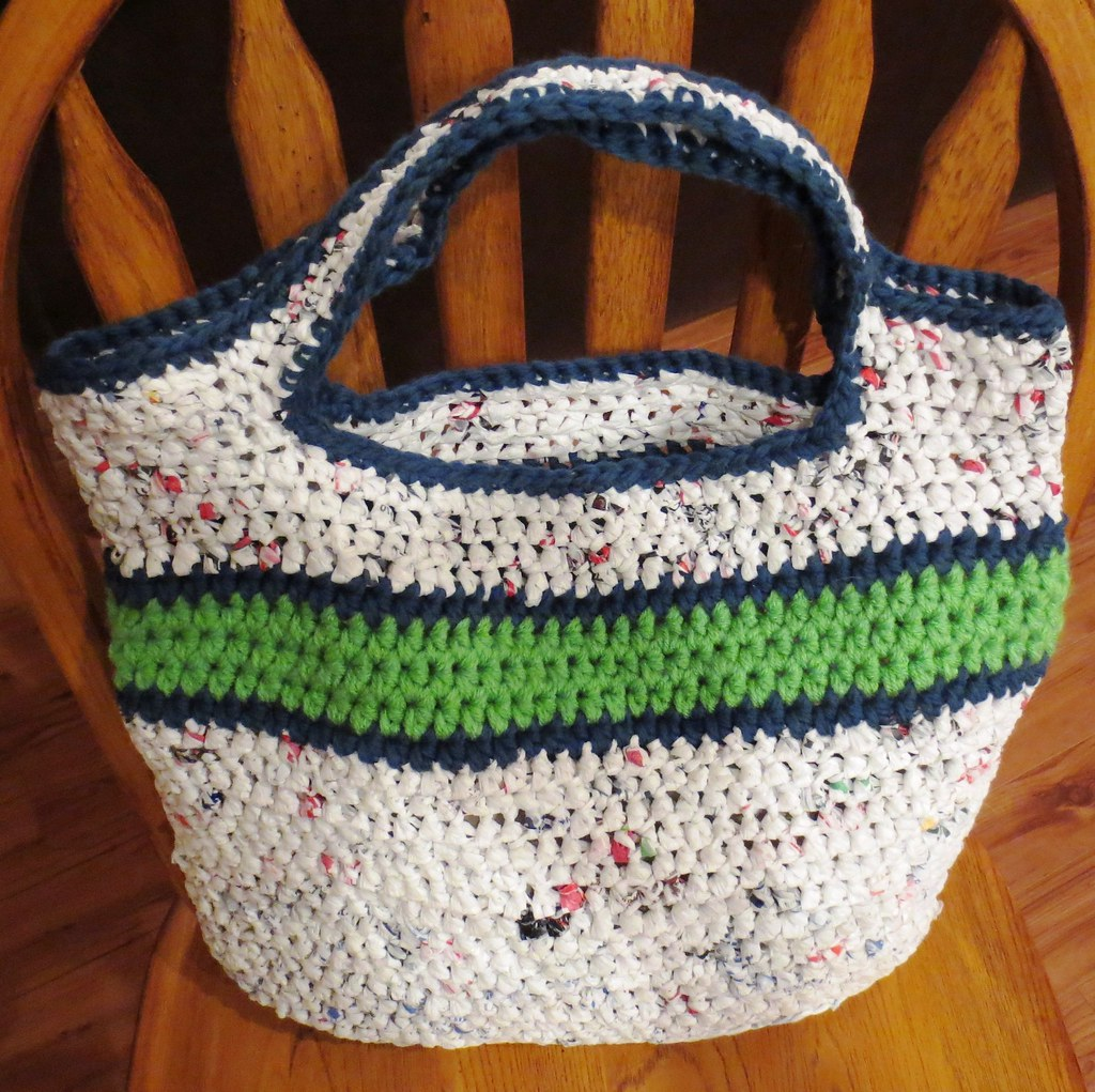 Crochet Pattern For Bags Plastic : Crocheted Bags My Recycled Bags.com