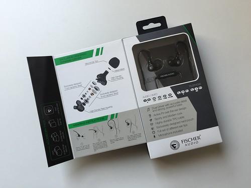 กล่องเปิดมาเป็นแบบนี้ มันจะแสดงให้เห็นว่าองค์ประกอบหูฟังมีอะไรบ้าง และจะสวมใส่ยังไง