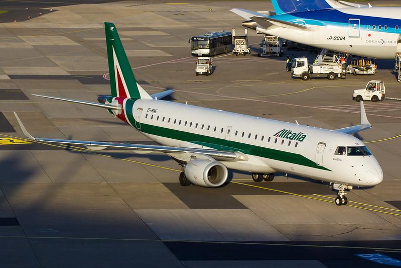 Alitalia - E190 - EI-RNE (2)