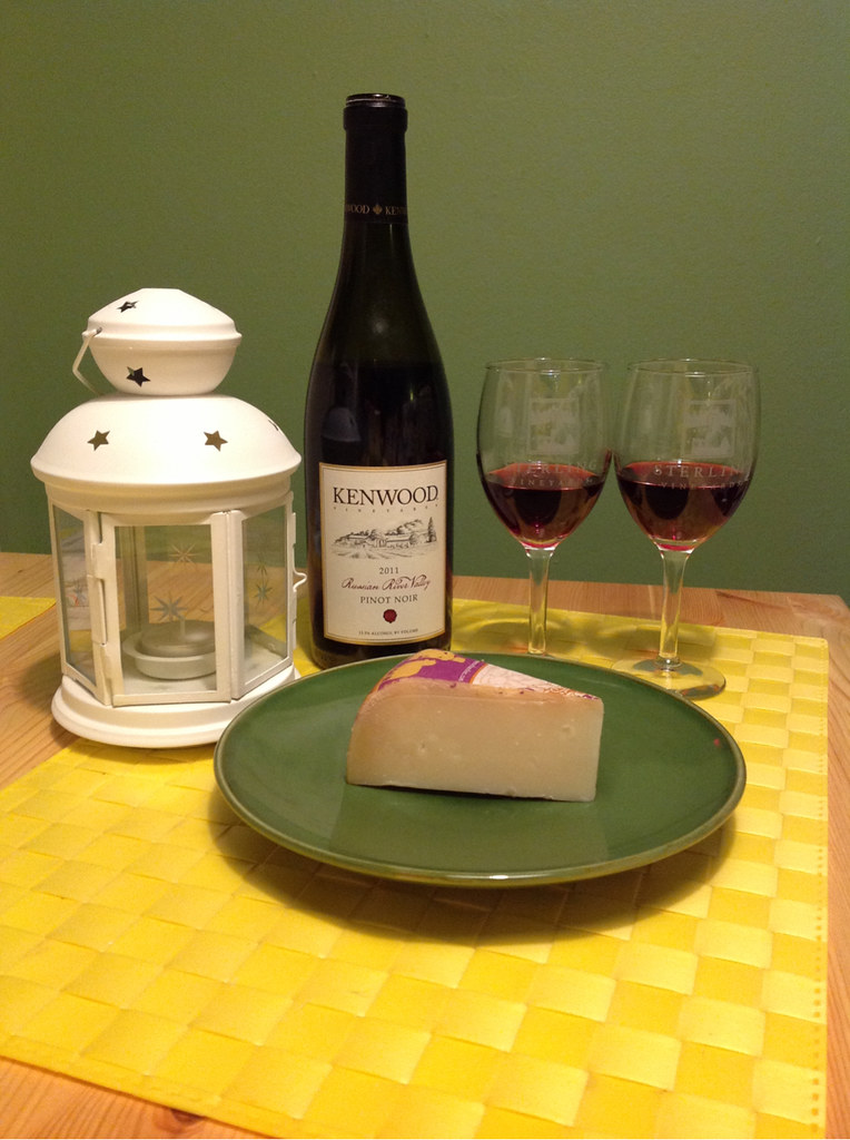 Pinot-Vember, Pinot Noir and Aged Sheep Gouda 1