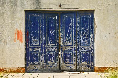 Desvanecimiento del portón azul