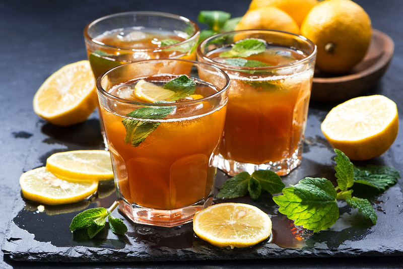 cold tea with lemon and mint