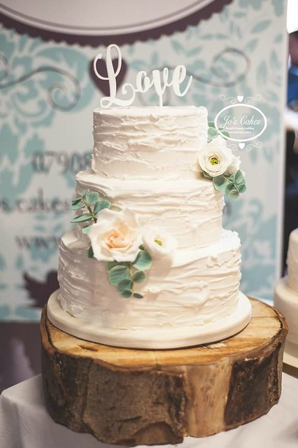 Rustic Roses and Ranunculus Wedding Cake