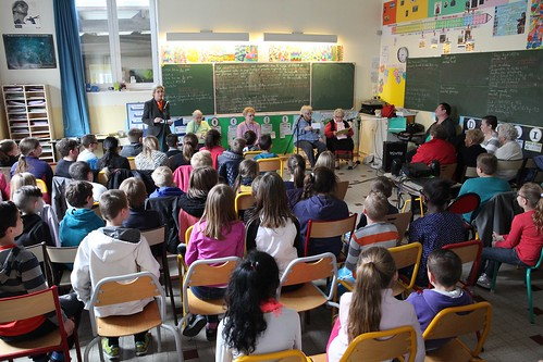 20.04.2016 - Rencontre entre générations à l'école De Gaulle