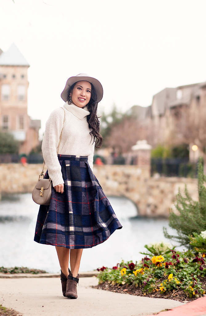 fd9c8ef69 cute & little blog | petite fashion | express turtleneck white sweater,  good row company
