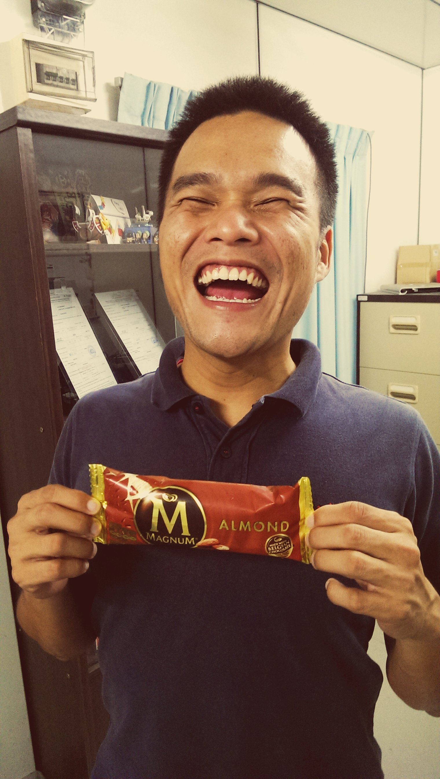 So happy because I've successfully apply my Financial Planning Adviser license at StandardFA and my wife bought me a Magnum ice cream for the celebration.