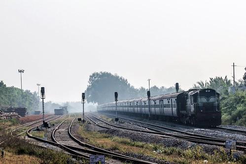 express intercity alco amsa swr kjm 16515 18704 wdm3a ammasandra yprkawr yeshavantapurkarwar