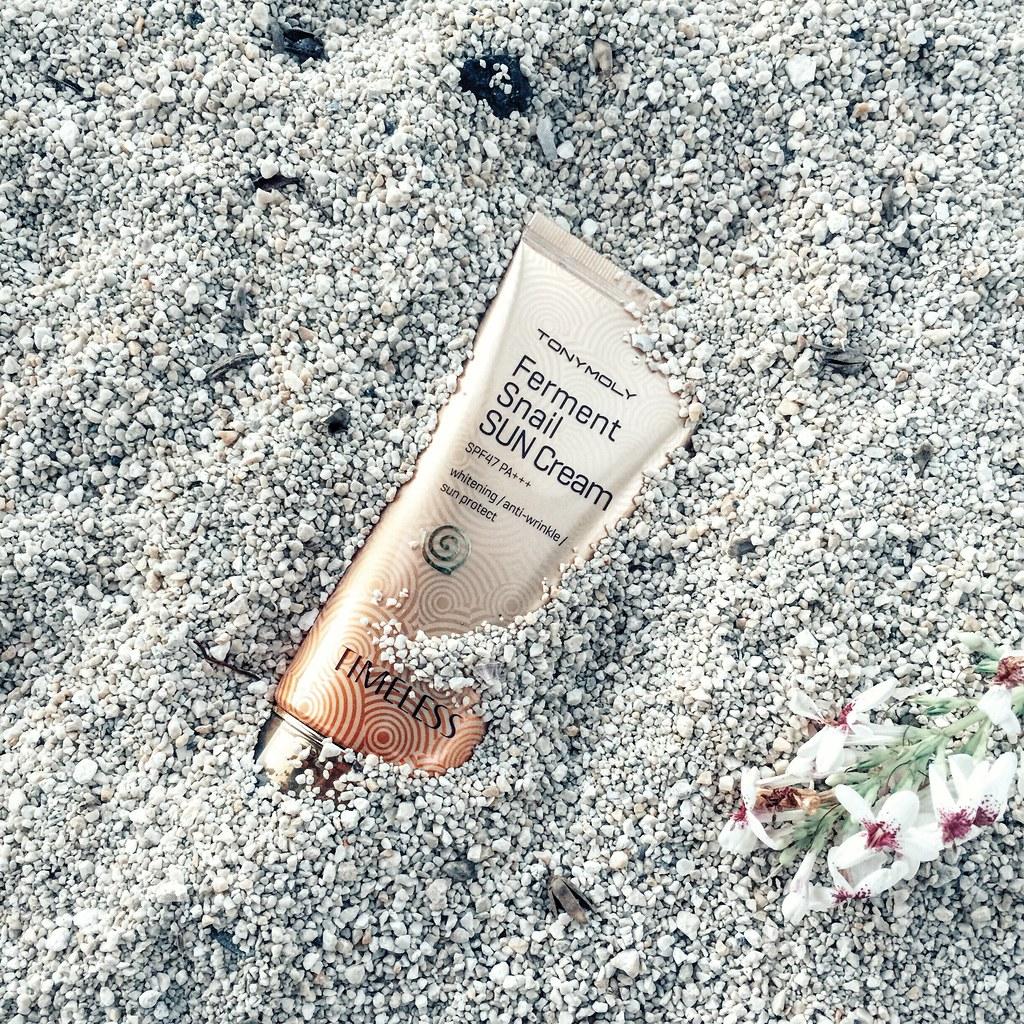 Tony-Moly-Ferment-Snail-Sun-Cream-review