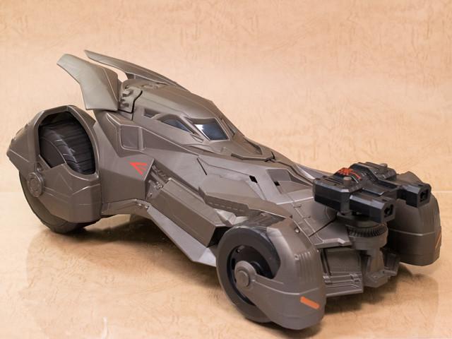 レビュー マテル 『バットマンvsスーパーマン /ジャスティスの誕生』デラックスビークル エピックストライク バットモービル