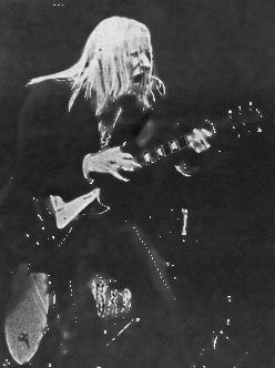 Johnny Winter in action on a Les Paul