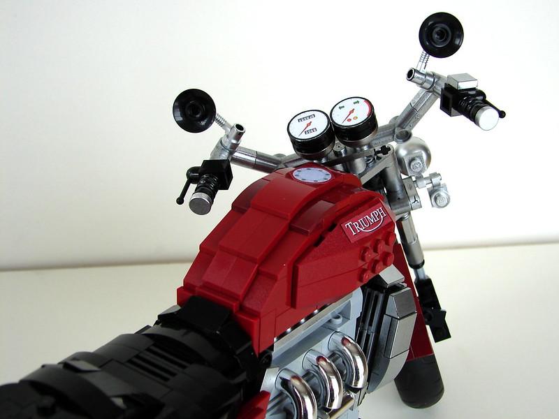 Triumph Rocket III  (15)
