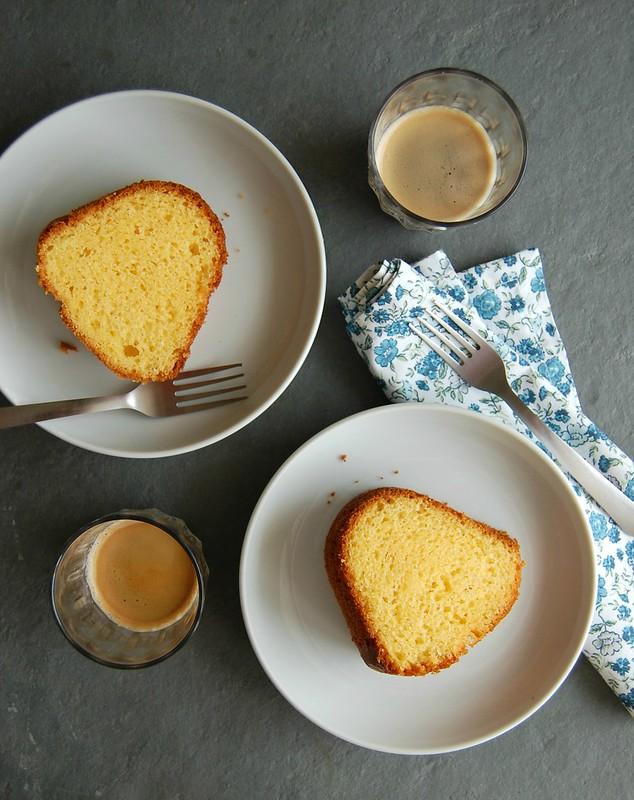 Cornmeal cake / Bolo de fubá do Panelinha