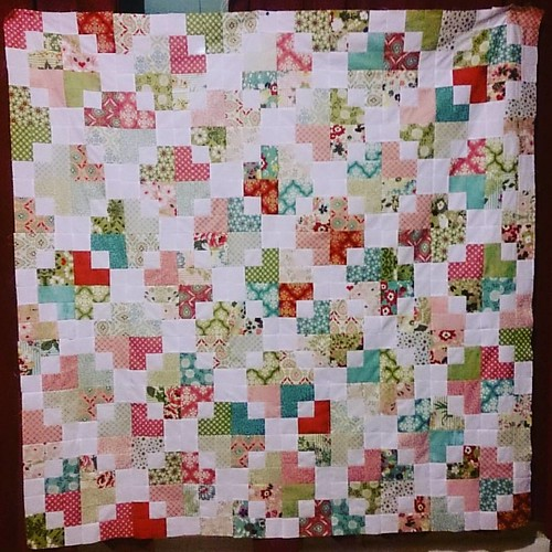My February finish. This had been lying around for a while now, all cut up, but not put together. And now to work on the Sydney Quilt Show entry for this year...