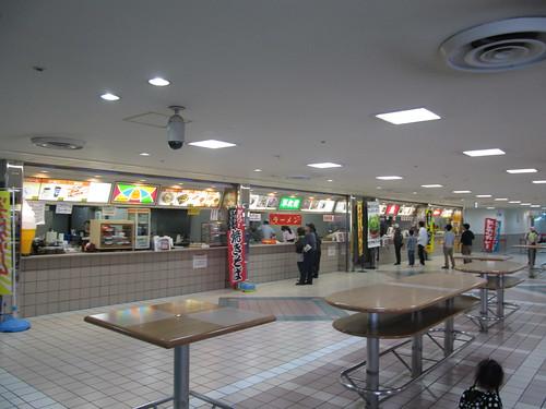 阪神競馬場の売店の様子