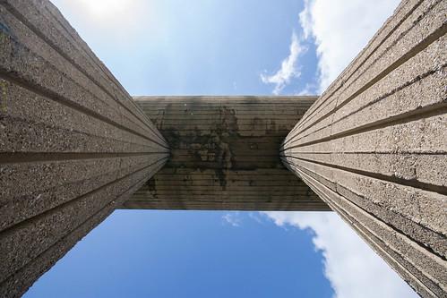 monument concrete kosovo miners mitrovica spomenik