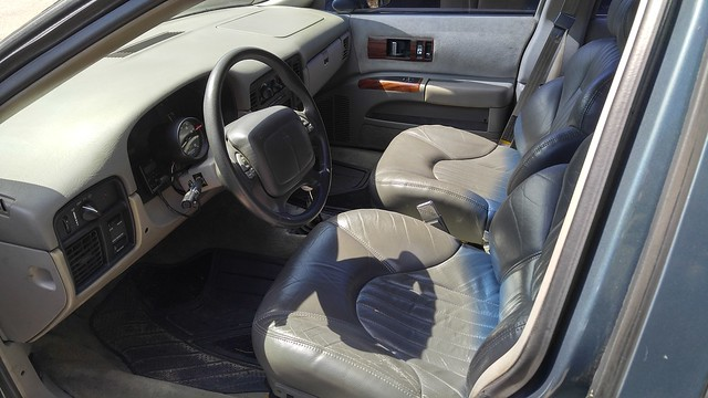 Custom center console 26183710182_c76b8fdbde_z