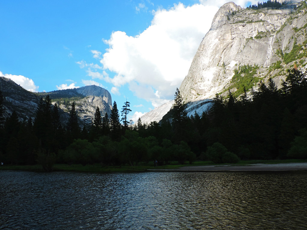 Best Late Spring Hikes In California: Mirror Lake, Yosemite