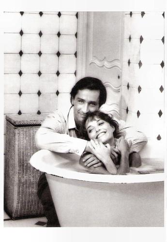 Thierry Lhermitte and Karen Allen in Until September (1984)