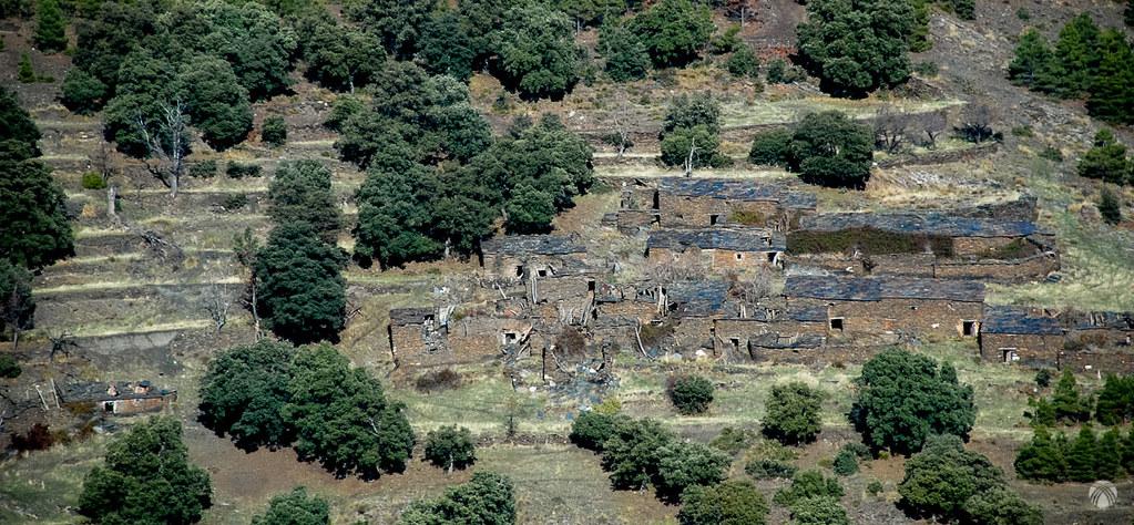 La aldea en la vertiente opuesta