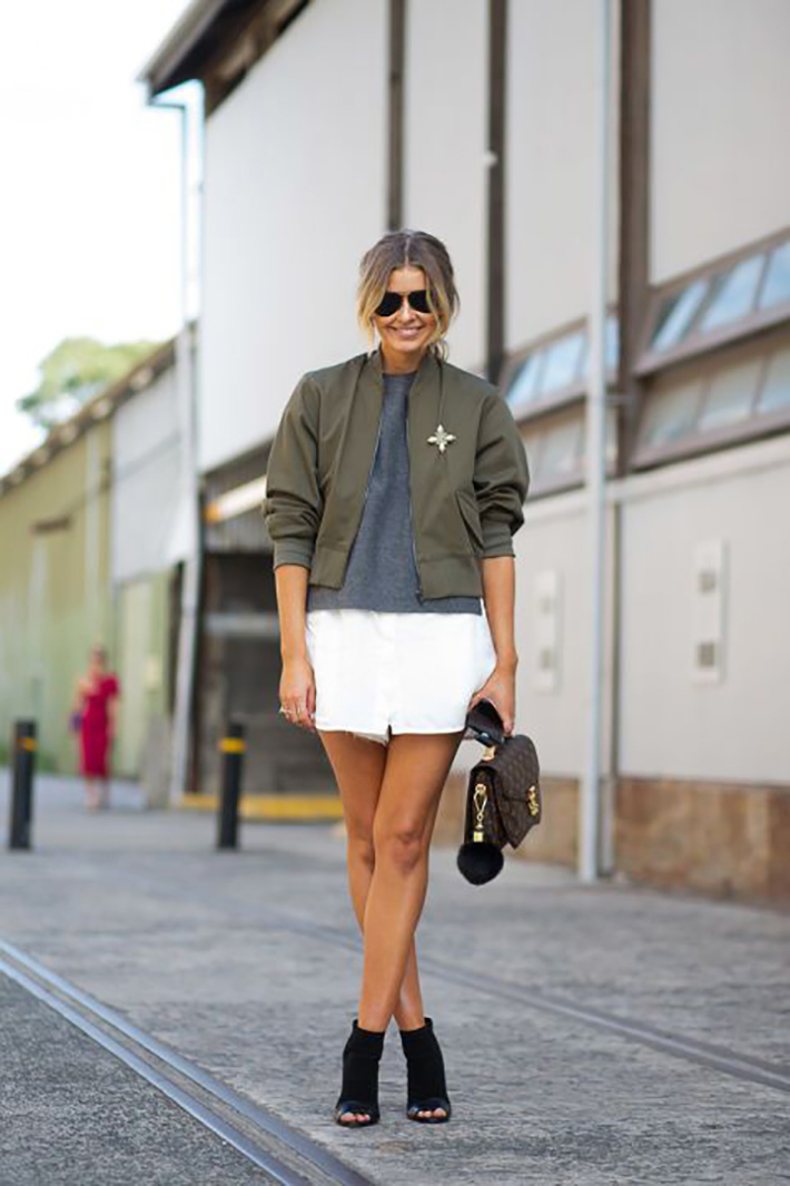 Bomber jacket street style outfit fashion5