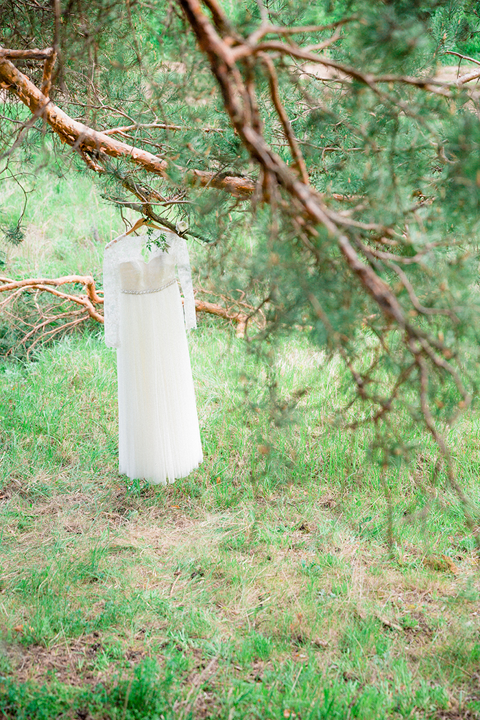 Wedding dress for a Romantic Woodland Wedding Inspiration { Soft Peach Tones } | Photo by Igor Kovchegin Photography | Read more on Fab Mood - UK wedding blog