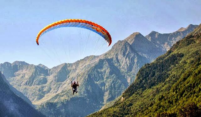 Paragliding at Kamshet Near Mumbai