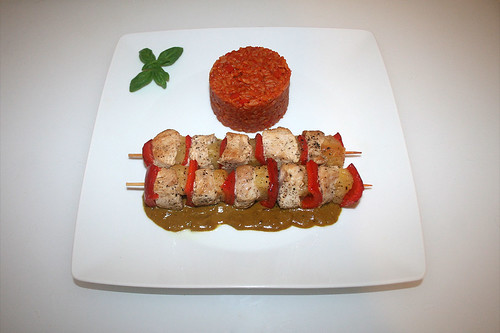 41 - Turkey shashlik with curry coconut sauce - Served / Putenspieße in Curry-Kokos-Sauce - Serviert